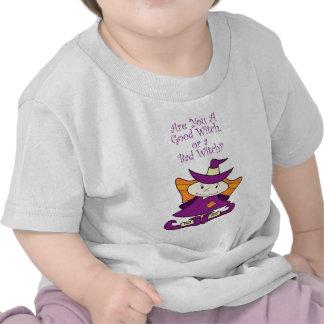 Buena pequeña bruja camiseta