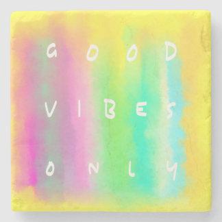 Buena pintura colorida de la positividad de la posavasos de piedra