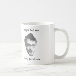 Buena taza de la obra clásica del pelo