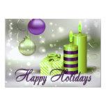 Buenas fiestas decoraciones verdes púrpuras invitación 12,7 x 17,8 cm