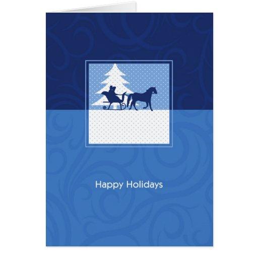 Buenas fiestas trineo traído por caballo en nieve tarjeta de felicitación
