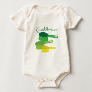 Buenas medidas mameluco de bebé