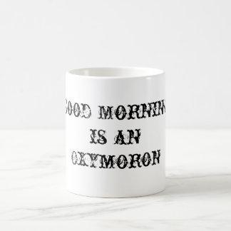 Buenos días taza clásica