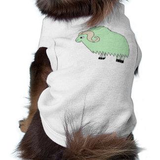 Buey verde claro con los cuernos encrespados playera sin mangas para perro
