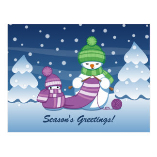 Bufanda que hace punto del muñeco de nieve astuto postales