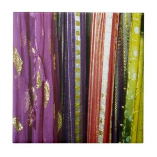 Bufandas asiáticas coloridas azulejo cuadrado pequeño