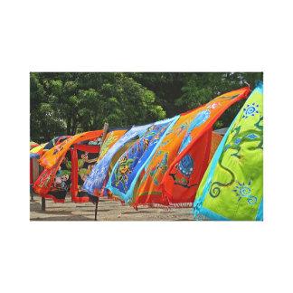 Bufandas coloridas para la venta impresión en lienzo estirada