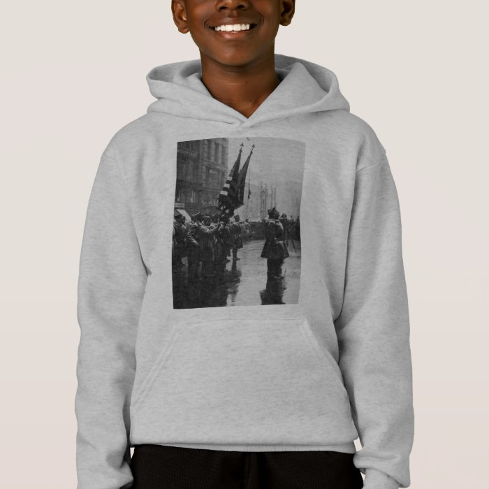 """""""Buffalo"""" Soldiers Returning Colors - 1919 Hoodie"""