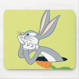 Bugs Bunny con la zanahoria Alfombrilla De Ratón