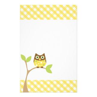 Búho amarillo del bebé papeleria personalizada