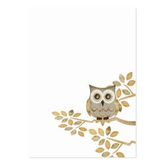 Búho ancho de los ojos en tarjeta de visita del
