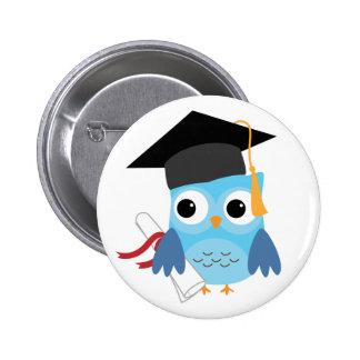 Búho azul con el botón de la graduación del diplom pin redondo de 2 pulgadas