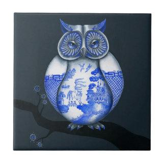 Búho azul del sauce tejas  ceramicas
