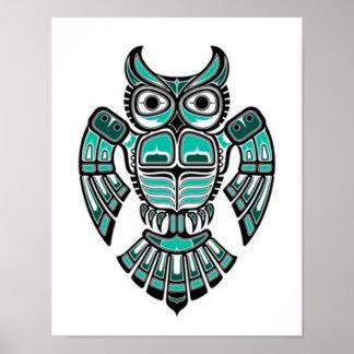 Búho azul y negro del trullo del Haida del alcohol Posters