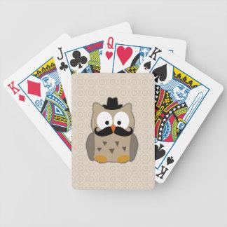 Búho con el bigote y el gorra baraja de cartas
