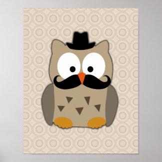 Búho con el bigote y el gorra poster