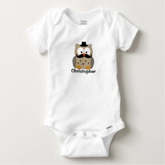 Búho con el bigote y los bebés personalizados remera