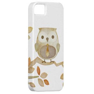 Búho con el lazo en caso del árbol iPhone 5 Case-Mate cárcasa