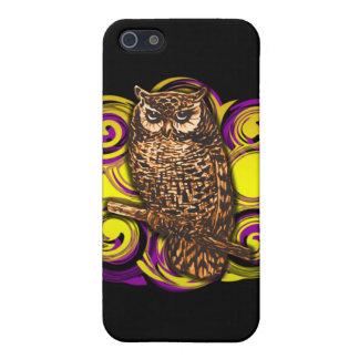 Búho con remolinos de la púrpura y del oro iPhone 5 carcasas