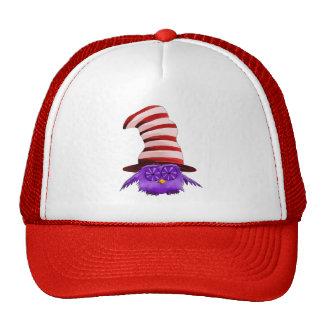 Búho con un gorra
