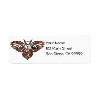 Búho de cuernos de madera tallado etiquetas de remite