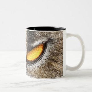 Búho de Eagle del eurasiático (bubón del bubón) Tazas