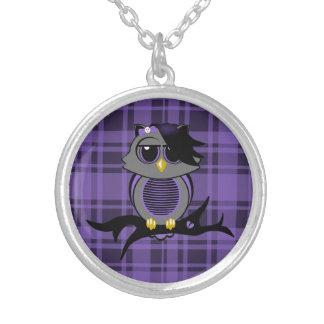 Búho de Emo y collar lindos de la tela escocesa