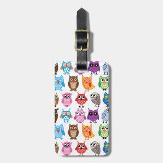 Búho de encargo colorido hermoso etiquetas para maletas