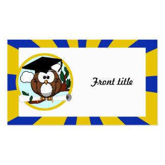 Búho de graduación con colores de la escuela del tarjetas de visita