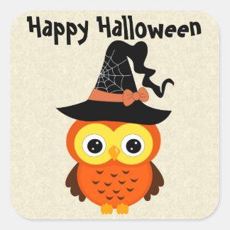 Búho de Halloween con el gorra de la bruja Pegatinas Cuadradas