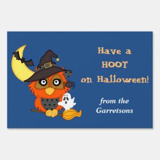 Búho de Halloween del pitido personalizado Cartel