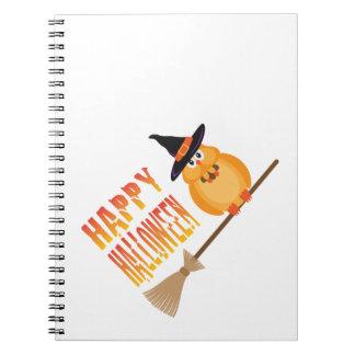 Búho de Halloween en el ejemplo del palo de escoba Libreta Espiral