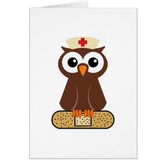 Búho de la enfermera (w/bandaid) tarjeta de felicitación