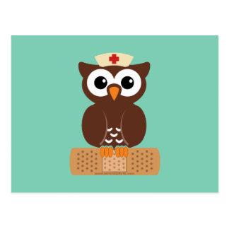 Búho de la enfermera (w/bandaid) tarjeta postal