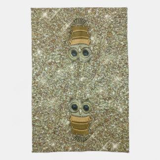 Búho de la joya del oro toalla