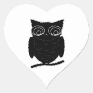 Búho de la mancha de tinta pegatina en forma de corazón