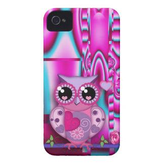 Búho de moda del amor en fondo abstracto artístico carcasa para iPhone 4 de Case-Mate