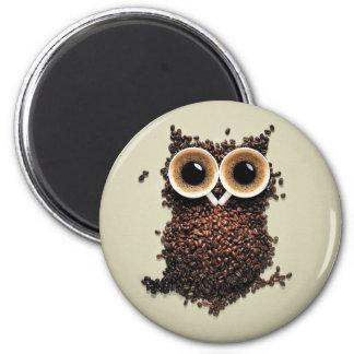 Búho del café imán redondo 5 cm