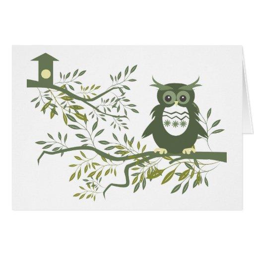 Búho del ~ del búho que se sienta en rama de árbol tarjeta de felicitación