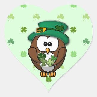 Búho del día de St Patrick Pegatina En Forma De Corazón