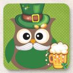 Búho del día de St Patrick Posavasos De Bebida