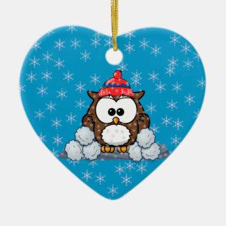 búho del invierno adorno navideño de cerámica en forma de corazón