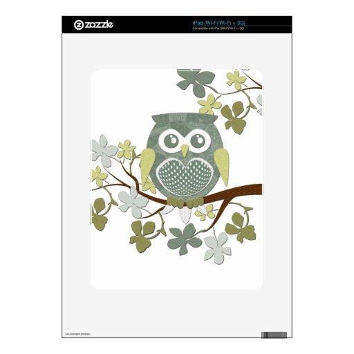 Búho del lunar en árbol calcomanía para iPad