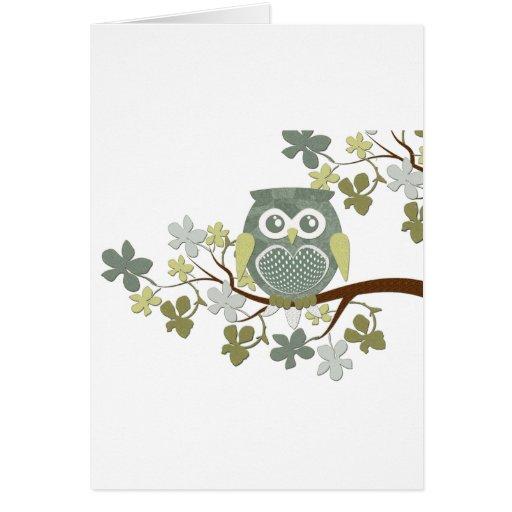 Búho del lunar en árbol tarjeta de felicitación