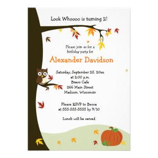 Búho del otoño en la invitación 5x7 del cumpleaños