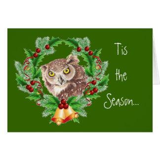 Búho divertido del navidad con humor del pájaro de tarjetón