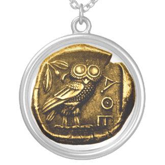 Búho en moneda del griego clásico colgante redondo