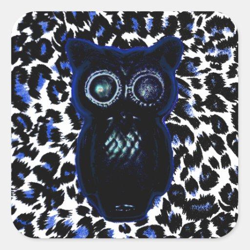 Búho en puntos negros y azules del leopardo pegatina cuadrada