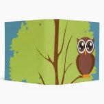 búho en un cuaderno del árbol