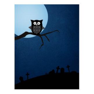 Búho fantasmagórico de Halloween Tarjeta Postal